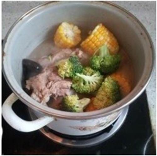 营养大骨汤的美味-熬时蔬做法的大骨汤的而家常菜快简单图片