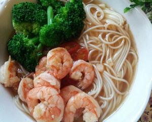 香辣蚝油鲜虾汤面线