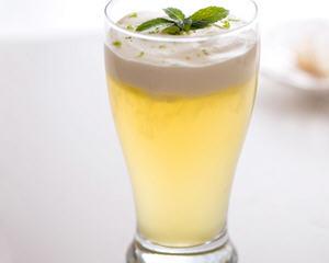 海盐奶盖冰绿茶