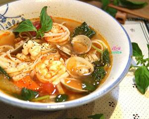 番茄海鲜汤面