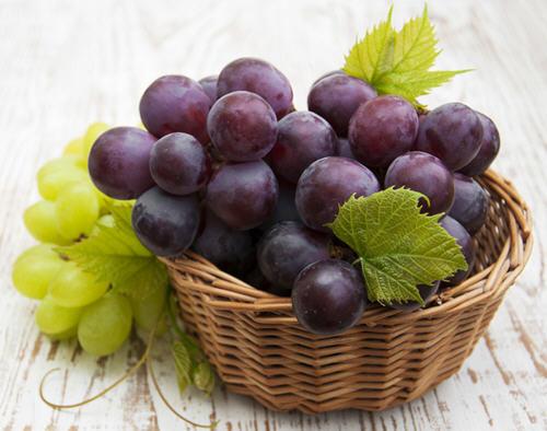 夏天吃葡萄的好处