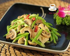 芦笋口蘑炒鸡片(减肥瘦身)