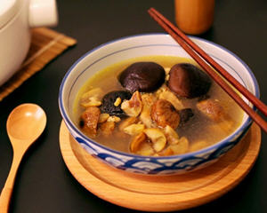 板栗香菇鸡汤