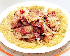 土豆饼小炒肉