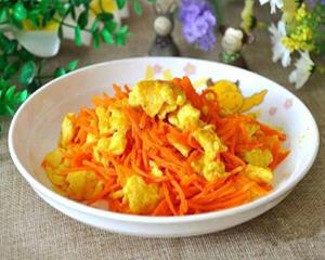 胡萝卜丝炒鸡蛋的做法_图解胡萝卜丝炒鸡蛋怎么做好吃