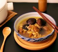 栗子香菇炖鸡汤的做法 步骤7