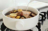 栗子香菇炖鸡汤的做法 步骤5