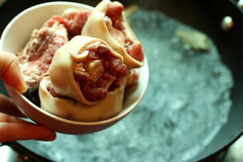 香辣红烧做法的牛尾_图解香辣红烧干贝做萝卜牛尾鲜虾文蛤汤图片