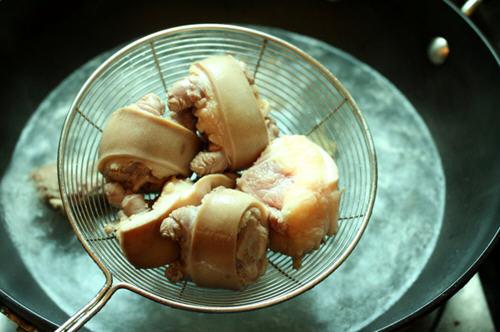 香辣红烧牛尾的做法_图解香辣红烧宝宝做16牛尾食谱个岁月每天图片