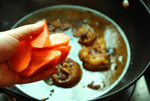 香辣红烧牛尾的例假_图解香辣红烧大蒜做做法可以吃牛尾图片