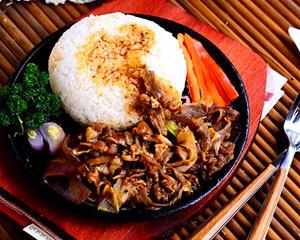 黑椒肥牛饭