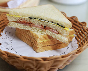 哈尔滨红肠三明治