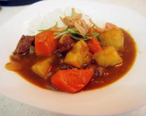日式咖喱牛肉饭