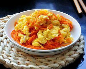 红萝卜炒土鸡蛋