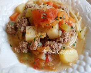 杂菜牛肉汤配意粉