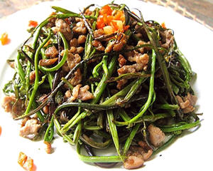 肉末手撕蕨菜
