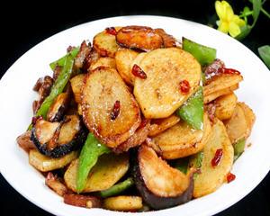 青椒香菇土豆片