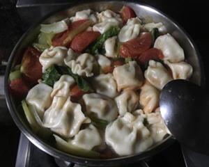 蕃茄蔬菜水饺汤