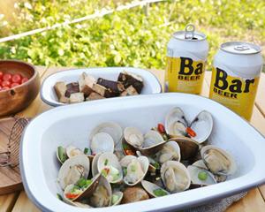 啤酒蒸蛤蜊的做法_图解好吃的啤酒蒸蛤蜊怎么做