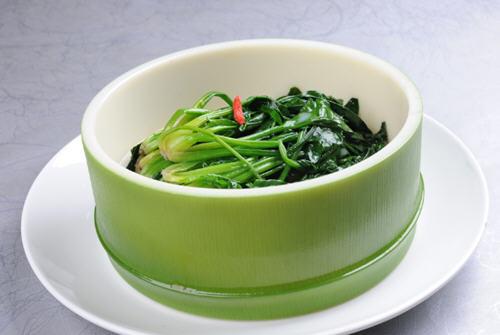 吃菠菜大便会黑吗?宝宝吃菠菜为什么会拉黑大便的原因解析