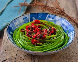 手撕蒜苔的家常做法_图解家常手撕蒜苔如何做好吃