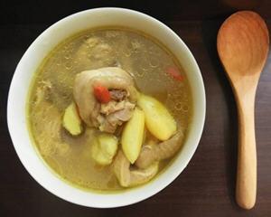姜黄蒜头鸡汤