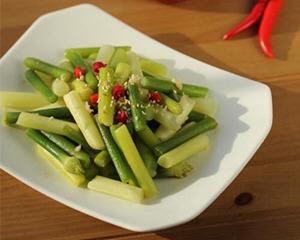 凉拌蒜苔的做法_图解好吃的凉拌蒜苔怎么做