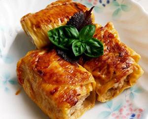 酱烧猪肉豆皮卷