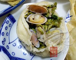 槐花蛤蜊包子(蛤蜊带壳)