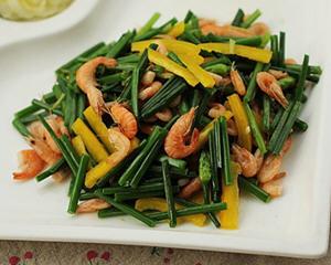 韭菜花炒河虾的做法_图解好吃的韭菜花炒河虾怎么做