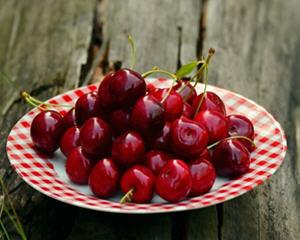 樱桃的功效与作用及禁忌_樱桃的作用与功效及食用方法