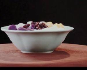 冰凉爽口的芋圆鲜奶冻