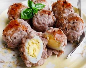鹌鹑蛋做的迷你肉丸