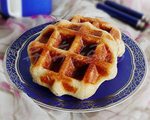 杂糖坚果夹心华夫饼