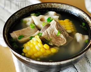 电饭煲炖莲藕玉米排骨汤