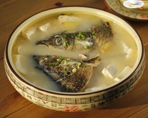 鱼头豆腐煲的简单做法