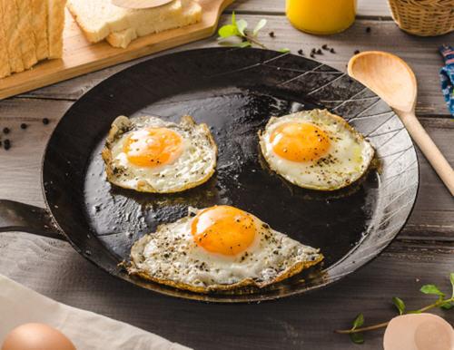 轻度脂肪肝注意事项_轻度脂肪肝能吃鸡蛋吗?脂肪肝能吃蛋黄吗?_生活百科_聚餐网