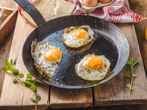 轻度脂肪肝注意事项_轻度脂肪肝能吃鸡蛋吗?脂肪肝能吃蛋黄吗?-聚餐网