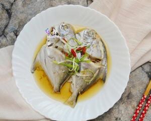 清蒸小鲳鱼的牛蛙_图解好吃的清蒸小鲳鱼蛇吃做法的店图片