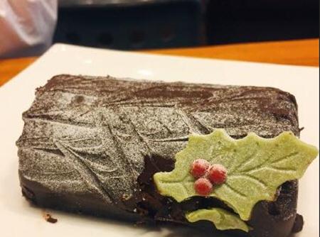 星巴克黑巧克力树根形蛋糕卖好吃