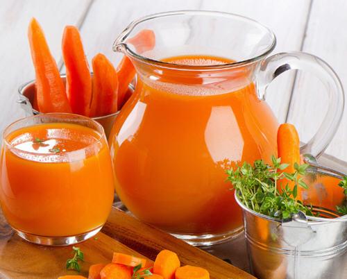 生榨胡萝卜汁可以喝吗?喝鲜榨胡萝卜汁的有害处吗