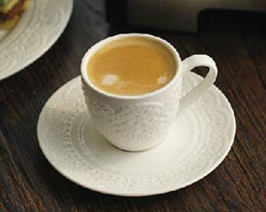 咖啡机做意式浓缩咖啡的方法_图解在家用咖啡机如何做意式浓缩咖啡