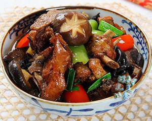 香菇烧土鸡炒锅版