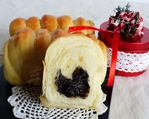 黑芝麻果酱酸奶面包