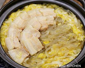东北酸菜五花肉炖粉条