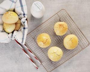 叉烧菠萝包的做法_图解好吃不油腻的叉烧菠萝包怎么做