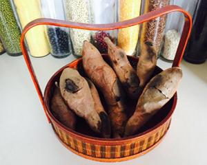 旧铁锅烤地瓜