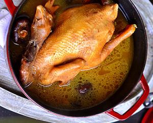 灵芝冬菇炖老鸡