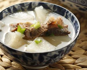 牛脊骨白萝卜汤