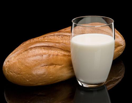 牛奶早上喝还是晚上喝好?牛奶什么时候喝最好